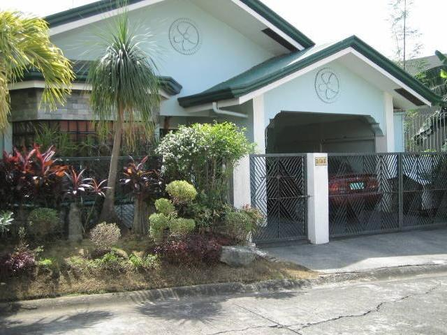 Cheap House And Lot In Bf Resort, Las Pinas Rush