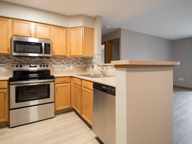 Check Out This Newly Upgraded 1x1 Apt. W Stainless Steel Appliances Gretna