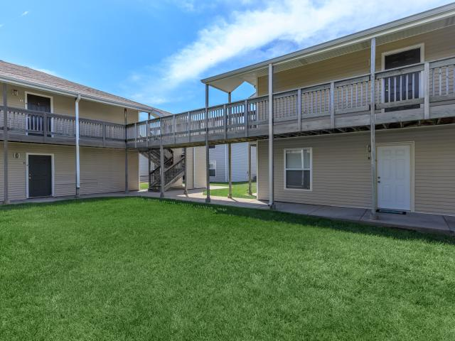Cherry Park 3 Bedroom Apartment For Rent At 415 South Cherry, Grand Island, Ne 68801