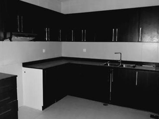 Chiller Free 1. Bhk 27k With Water View Master Room