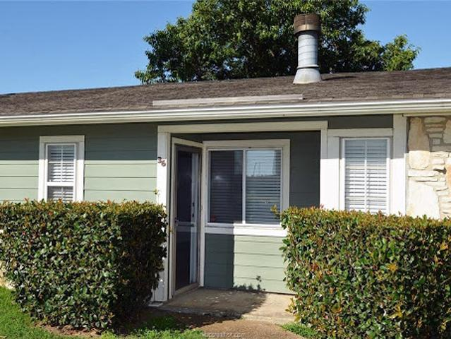 College Station, Location Location! Don't Miss This Charming