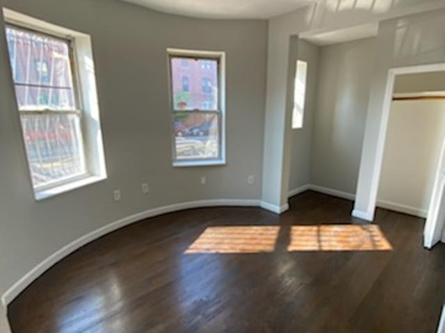 Columbus Ave Huge Updated 2 Bed W/ Exposed Brick Across From Neu!