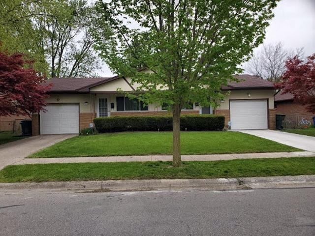 Columbus, This Is A Well Maintained Two Br, 1&1/two Ba Duplex