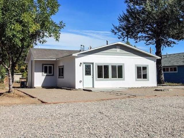 Completely Remodeled Home Close To The Big Horn River!