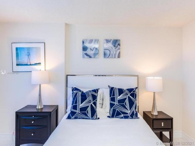 Condo For Rent In Hollywood, Florida