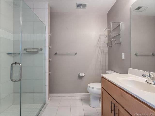Condo For Sale In West Hartford, Connecticut