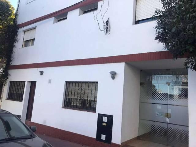 Confortable Departamento En Barrio San Martín, Córdoba