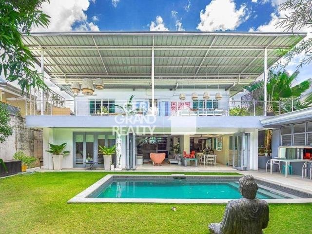 Contemporary 4 Bedroom House With Swimming Pool For Sale In Banilad