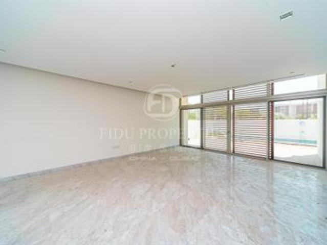 Contemporary Style | Close To Lagoons | Vot