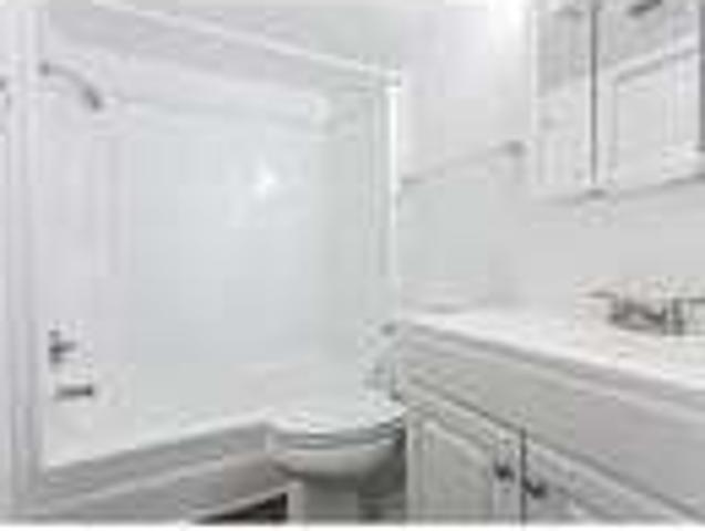 Convenient Location One Br One Ba For Rent. Parking Available!