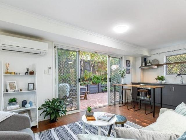 Convenient Location Two Three Bedrooms, Two Air Conditioners, New Kitchen, Entertaining Te...