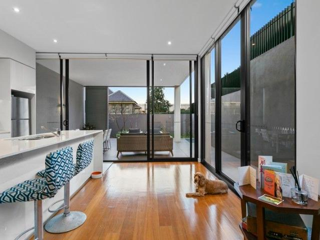 Cosy Two Bedroom Courtyard Apartment 1 On 1 Inspections By Appointment