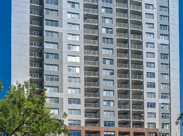 Country Club Towers And Gardens 2 Bedroom Apartment For Rent At 1001 E Bayaud Ave, Denver,...