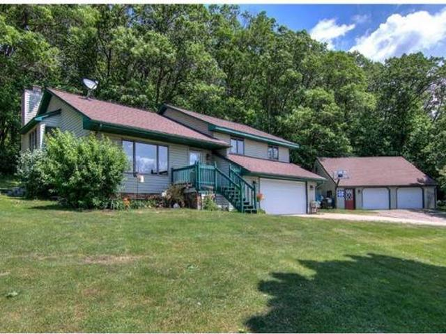 Country Living 4bd2ba Home On 4.5 Wooded Acres Alma Center