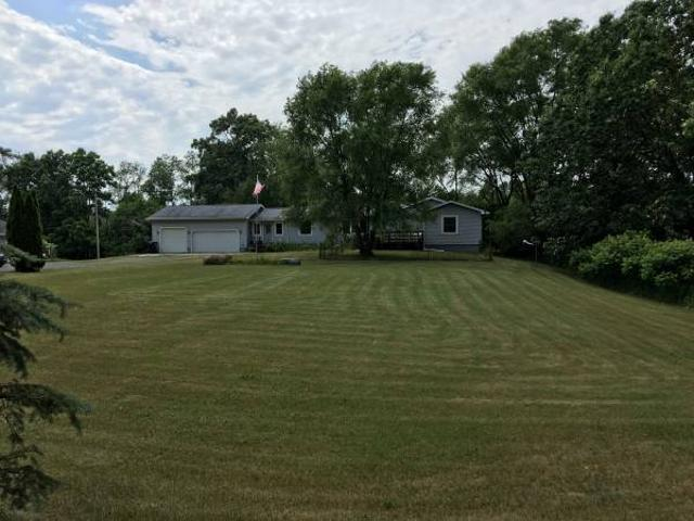 Country Living Share Pleasant Lake