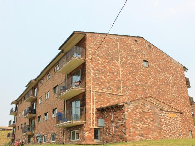 County Squire 1 Bedroom Apartment For Rent