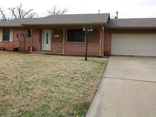 Cute 3 Bd/2 Ba Home For Lease In The Village!