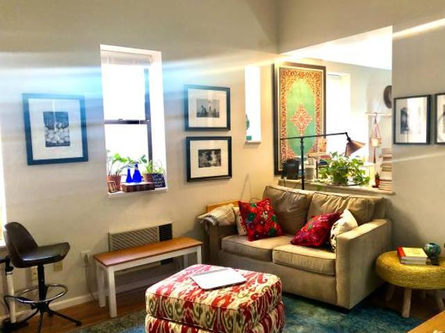 Cute Art Filled Condo With Treetop Deck 6 Months, Can Extend Dupont Admo