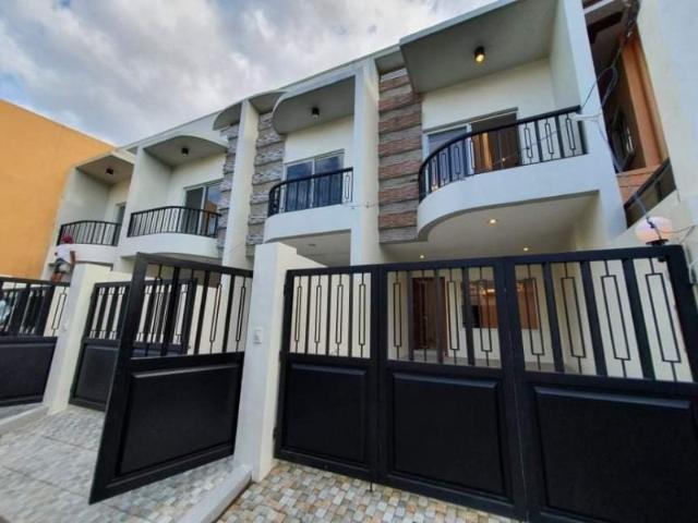 Laspinas House For Sale In Bf Resort