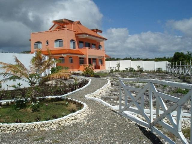 Dauis Panglao Prime Beach Front House & Lot W/360 View Of Pamilacan Island   Boholana Realty