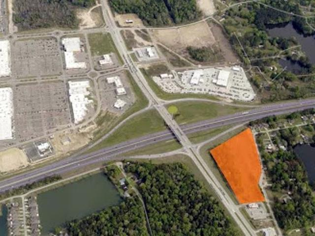 Denham Springs, Great Visibility! This Tract Is Perfect For