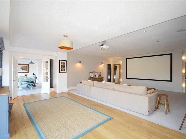 Detached 5 Bedroom House For Sale In Aislaby, Eaglescliffe On Boomin