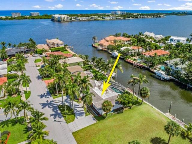 Detached House Lake Worth Beach Fl For Sale At 1695000