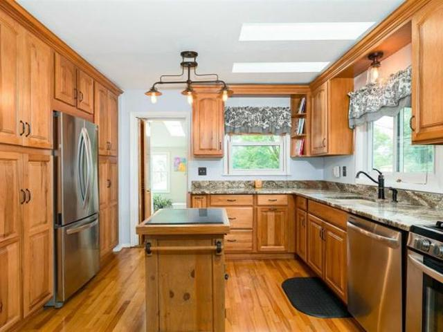 Detached House Rhinebeck Ny For Sale At 428000