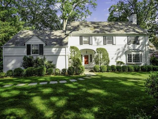 Detached House Scarsdale Ny For Sale At 1349000
