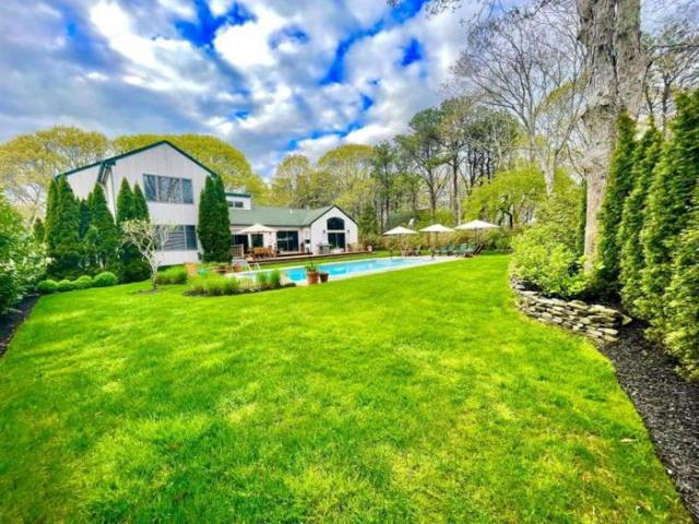 Detached House Southampton Ny For Sale At 2195000