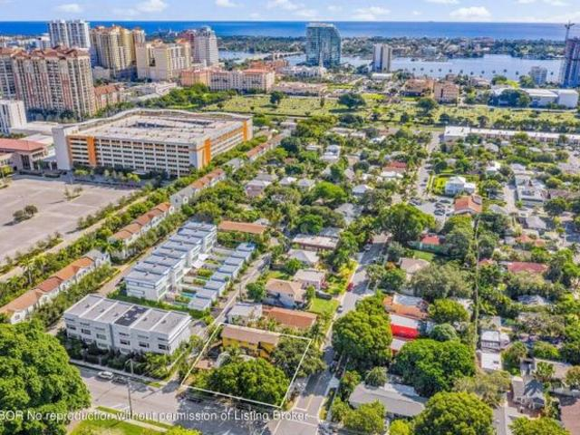 Detached House West Palm Beach Fl For Sale At 1040000