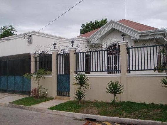 Concrete Fence And Steel Gate Design With Photos In The