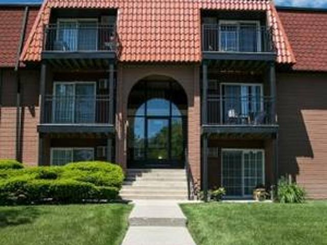 Don39t Wait, This Stunning Middle Floor Apartment Will Not Last Long 5 Mins To Wcc, Emu, S...