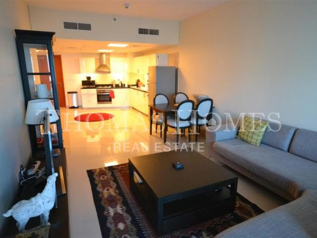 Dont Miss This Spacious Custom Styled 1 Bed 1.5 Bath Fully Furnished Apartment In Park Tow...