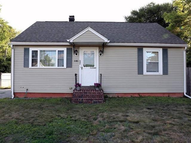 Dracut 1.5 Ba, Conveniently Located Cape! This Four
