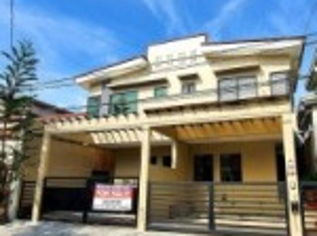 Duplex House For Sale Location: 44 B, Prague St.bf Homes Phase 4, Las Pinas City, Philippines