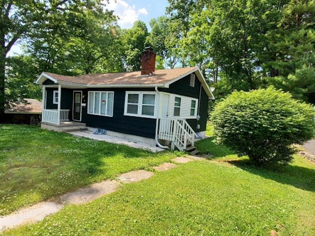 East Stroudsburg, Nice Starter Five Br, Two Ba Home In
