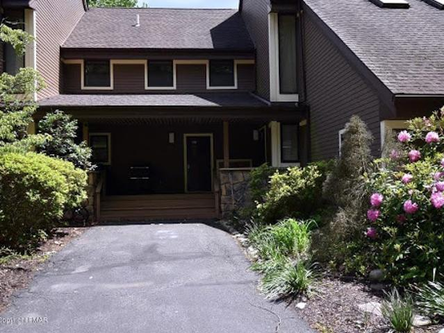East Stroudsburg Two Br 2.5 Ba, Relax And Enjoy!