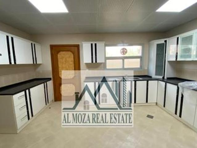 Electricity And Water Corner 5bed Villa For Sale