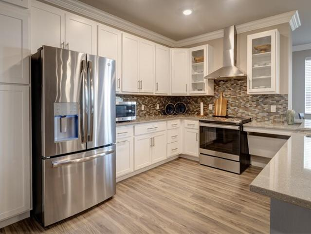 Elm Grove Heights Independent Luxury Senior 1 Bedroom Apartment For Rent At 13040 West Blu...