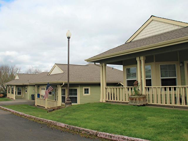 Elmcroft Of Stayton Cottage Homes 65+ Community 2 Bedroom Apartment For Rent At 2201 3rd A...