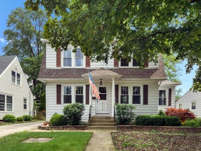 Elmhurst 1.5 Ba, This Charming 3 Br Home In The Pick