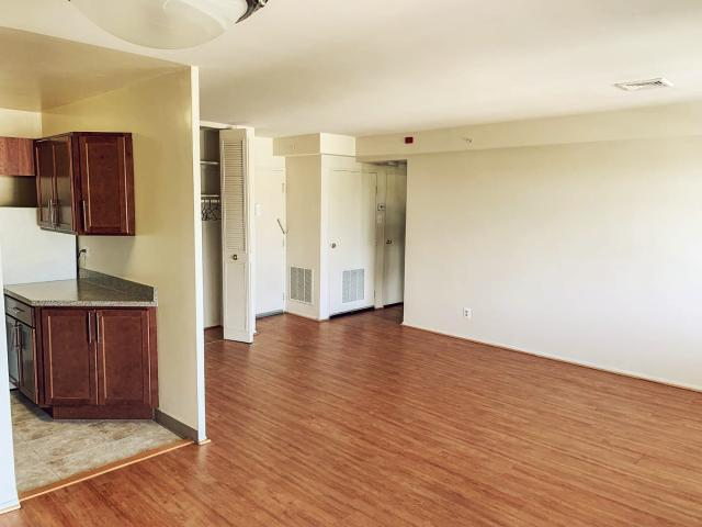 Essex House 2 Bedroom Apartment For Rent At 7777 Maple Ave, Takoma Park, Md 20912 Takoma Dc