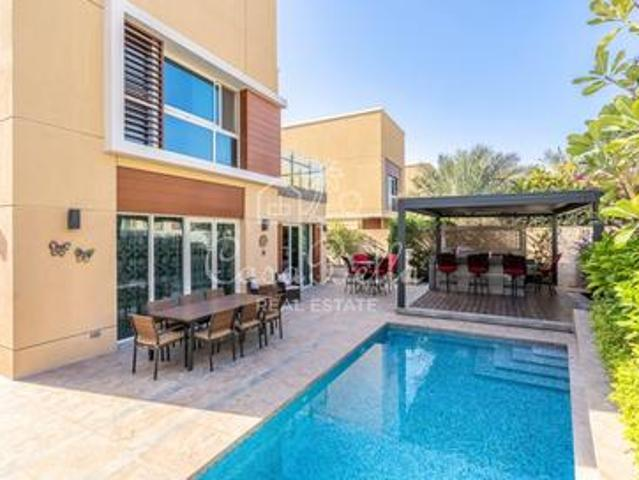 Exclusive   4br 4d3 Vot  Upgraded With Pool  pergola  bbq