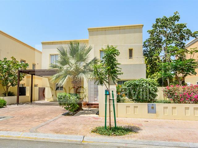 Exclusive And Spacious 4 Bed The Lakes Villa Aed 6,400,000