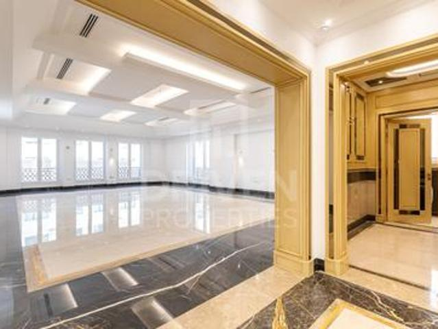 Exclusive | Luxurious And Spacious Villa