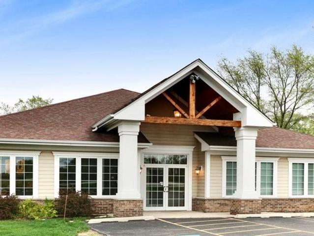 Executive Office Suite Available In Crystal Lake!