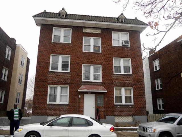 Fabulous 7 Unit Building In Great Shape! Fully Rented!