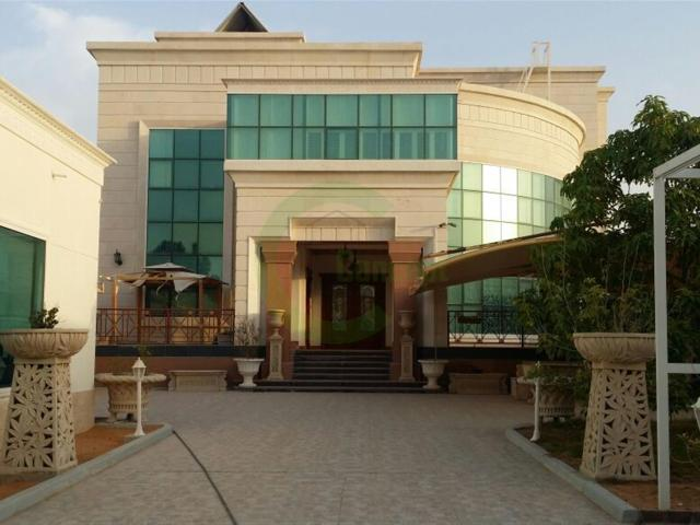 Fabulous Villa W/ 10 Master's Br In Mbz Aed 8,000,000