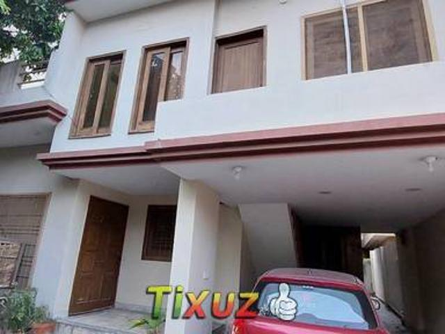 Facing Park 10 Marla House Lower Portion Ground Floor For Rent